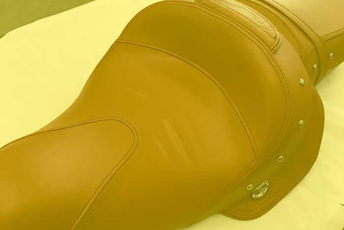 restauracion de asientos de piel de motos en valencia · ARG Restauracion p