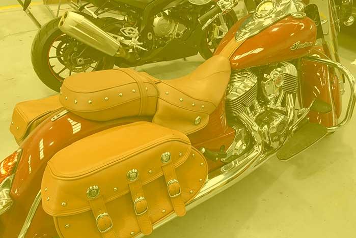 restauracion de asientos y maletas de piel de motos en valencia · ARG Restauracion p